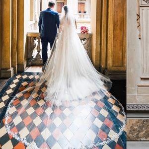Peter Langner Accessories - Peter Langner designer wedding veil